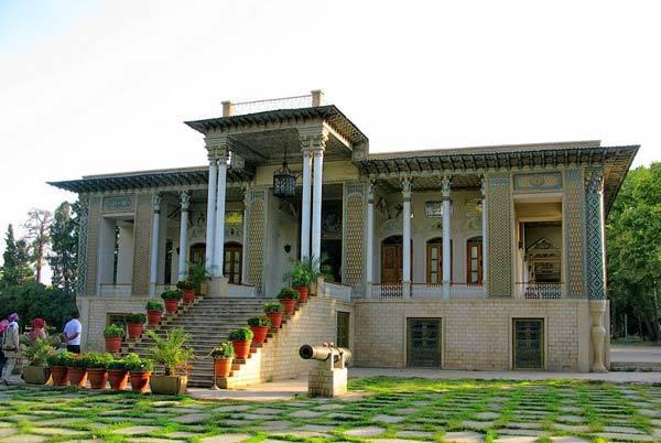 بازدید از باغ عفیف آباد شیراز