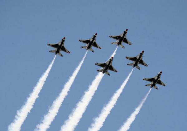 راهنمایی هواپیمای نظامی با هوش مصنوعی