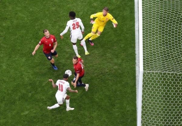 یورو 2020، پیروزی یک نیمه ای انگلیس مقابل جمهوری چک، کرواسی و اسکاتلند مساوی به رختکن رفتند