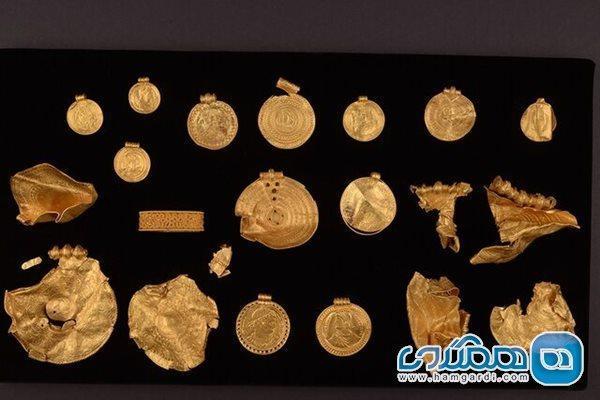 کشف مجموعه ای از آثار تاریخی از جنس طلا در دانمارک